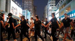 施英:一周新闻聚焦:香港《禁蒙面法》引发恐慌 抗议四起 形势险恶