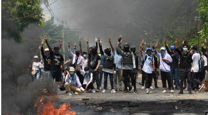 施英:一周新闻聚焦:缅甸军政府血腥镇压示威者,安理会强烈谴责,中国不支持制裁