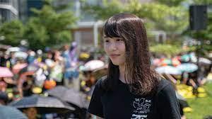 香港民主活动人士周庭获释出狱