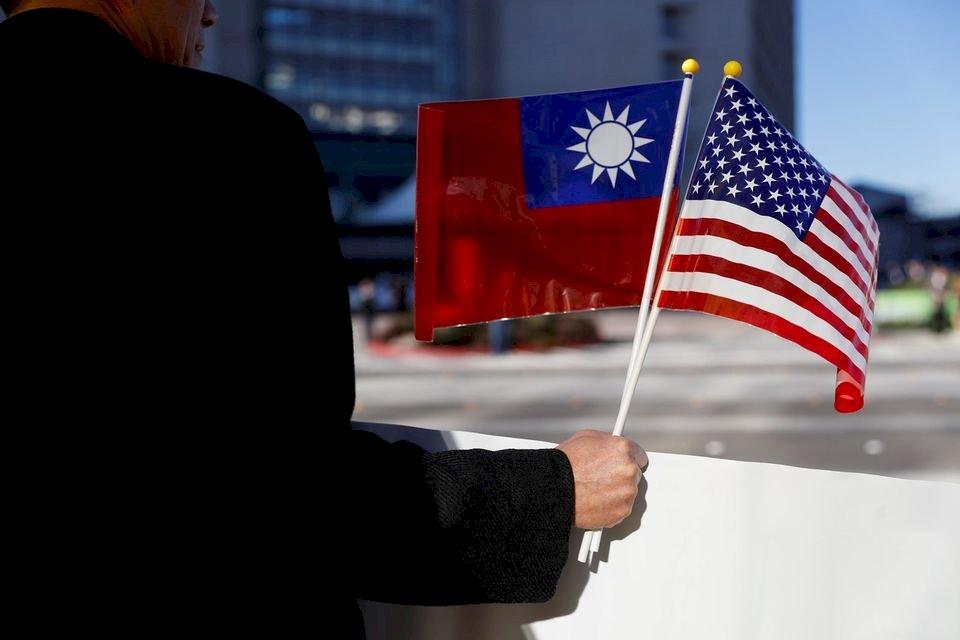 曾建元:到臺灣海峽永久和平之路