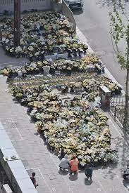张杰:郑州市民勇敢拆除政府挡板