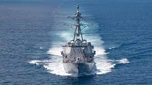 """美海军军舰与海警炮舰高调通过台海,中国称""""性质十分恶劣"""""""